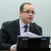 Comissão aprova medida para coibir comércio de celulares roubados