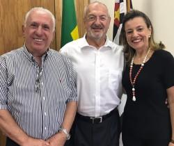 """SEMINÁRIOS UVESP – """"SÓ A EDUCAÇÃO SALVA"""""""