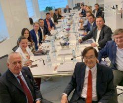 UVESP reúne prefeitos e assina protocolo de intenções para investimentos Chineses