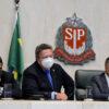Mães solo e vítimas de violência terão prioridade no Bolsa do Povo, decidem deputados